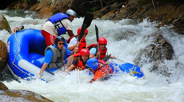 white water rafting at slim river malaysia