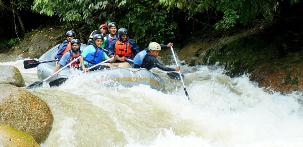 slim river water rafting