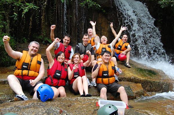 malaysia white water rafting adventure_opt